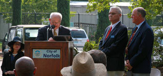 Mayor Fraim reading City Proclamation